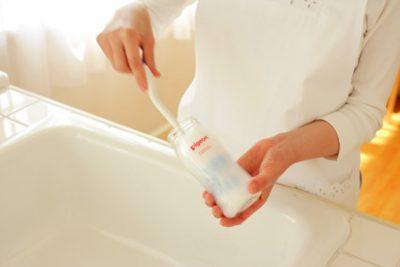 Мытье бутылочки для кормления