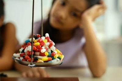 Отравление детей лекарствами – симптомы и первая помощь