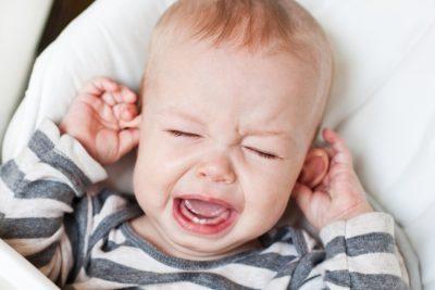 постоянный плач у ребенка