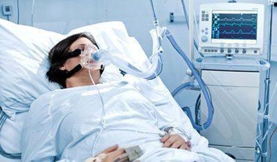 Больной с кислородной маской