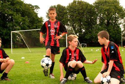 Подростки, занимающиеся спортом