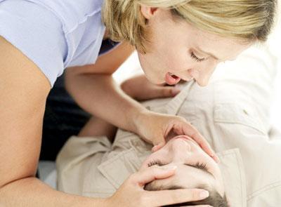Как оказать первую помощь при острых отравлениях
