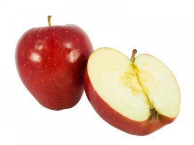 Нарезанные пополам яблоки