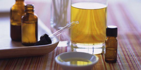 С-маслом-чайного-дерева.jpg