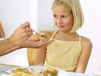 Ребенка нельзя заставлять кушать