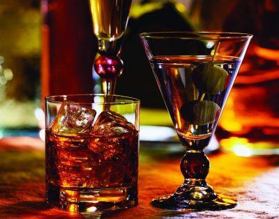 Что делать, если тошнит после алкоголя на следующий день