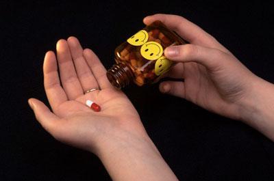 Антидепрессанты: причины, симптомы и лечение передозировки