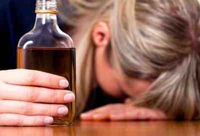 Какое влияние оказывает алкоголь на женский организм