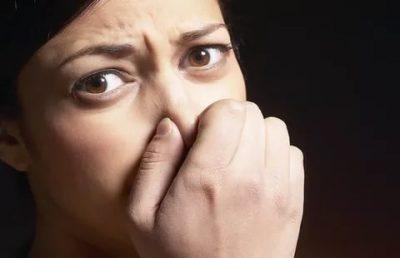 Cтул имеет неприятный запах
