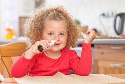 Ребенок капает нос
