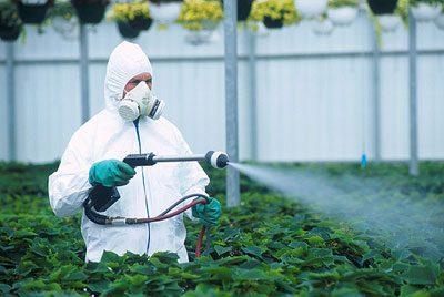 Распыление токсичных удобрени