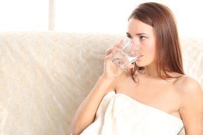 Обильное питье для больного