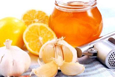 Рецепт с лимоном, чесноком и медом для чистки сосудов