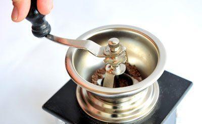 Семена расторопши в кофемолке