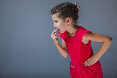 10 причин рвоты и тошноты у ребенка утром, что нужно знать
