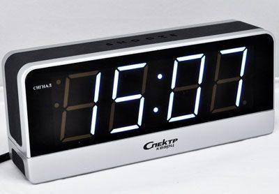 Часы со светящимися цифрами