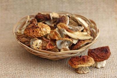 Сушеные грибы: способы заготовки, причины отравления