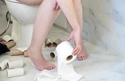Девушка в туалете