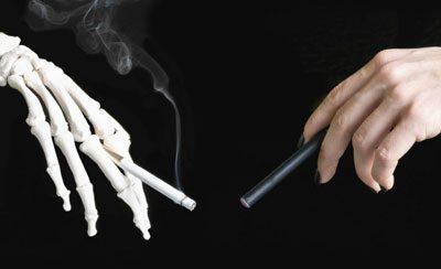 Сигарета и вейпер